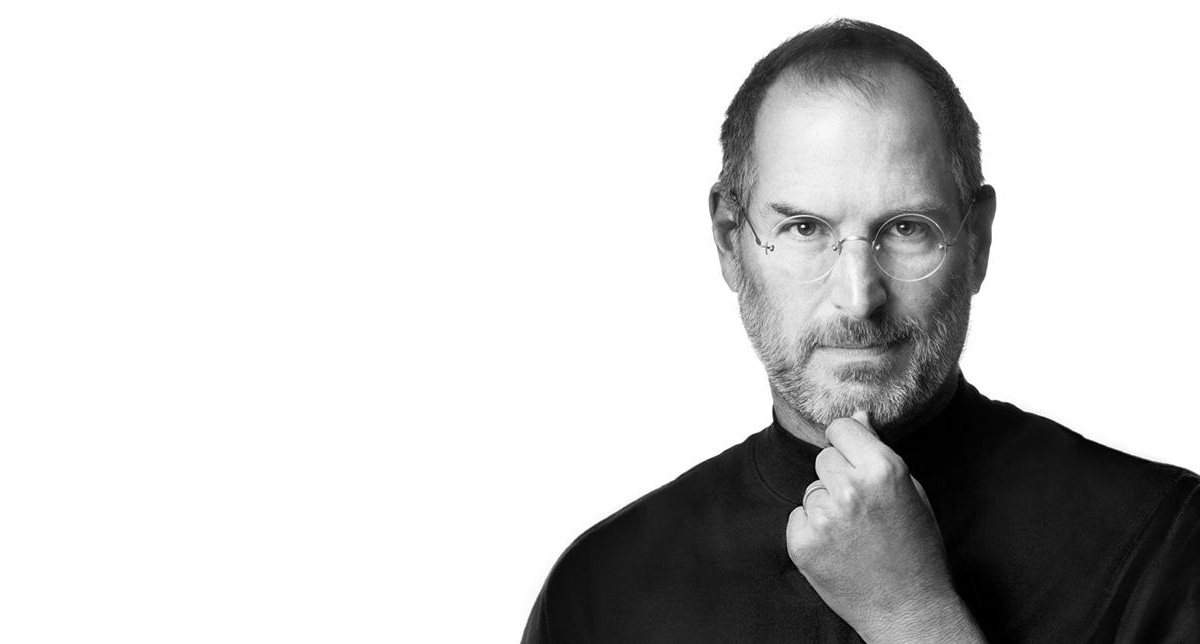 a photo of Steve jobs to show apple content marketing tactics